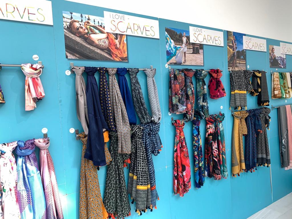 I love scarves shop Frascati Centre